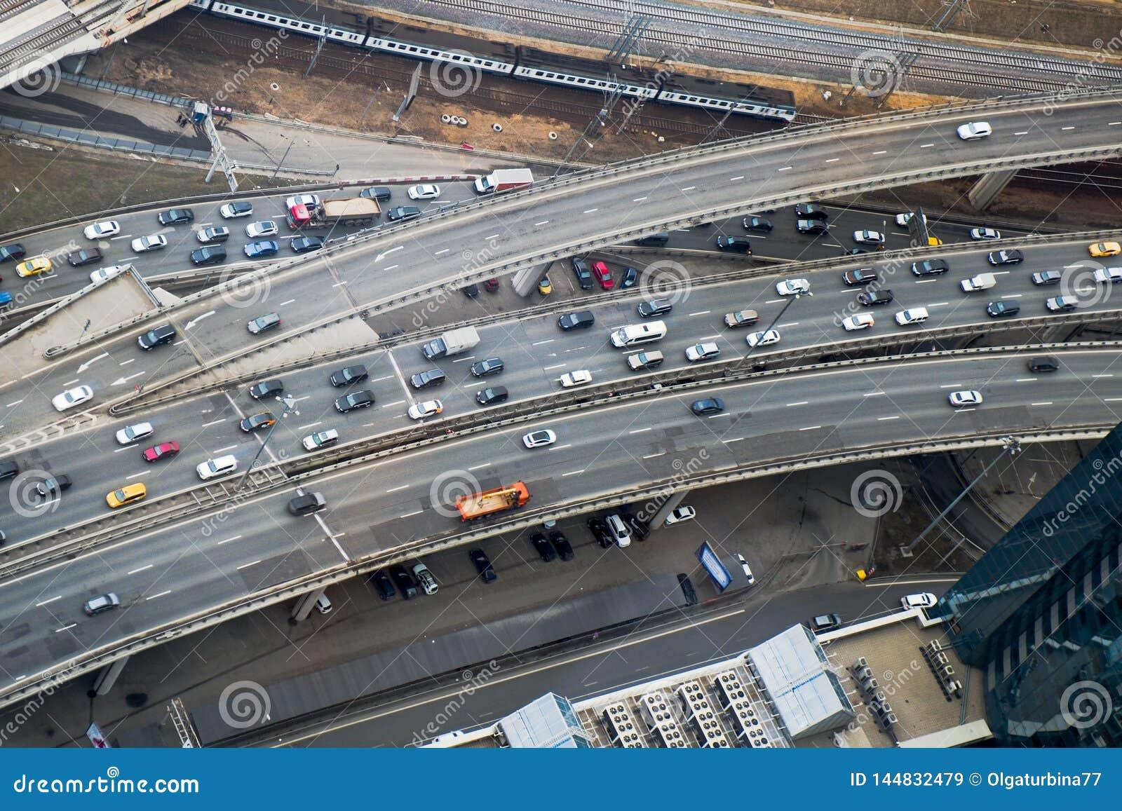 Hoogste mening aan een deel van stadswegennet De multiverbinding van het niveauverkeer