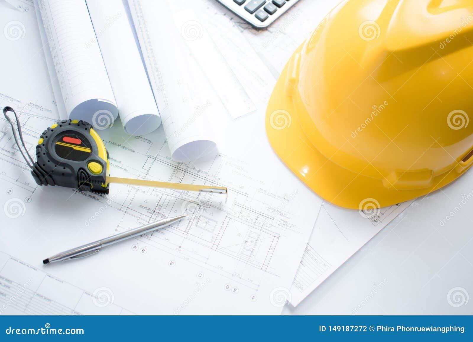 Hoogste mening van het architectenbureau met het project en de techniek beschikbare hulpmiddelen van de blauwdrukarchitectuur