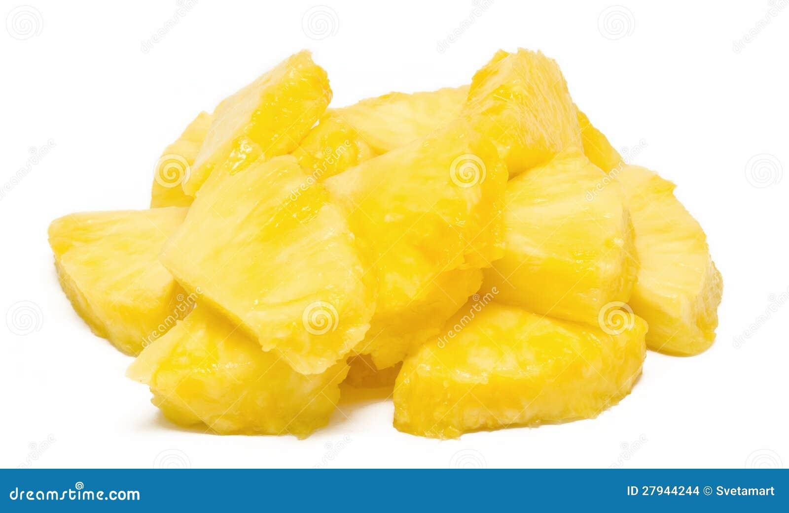 Hoop van geïsoleerder ananasbrokken