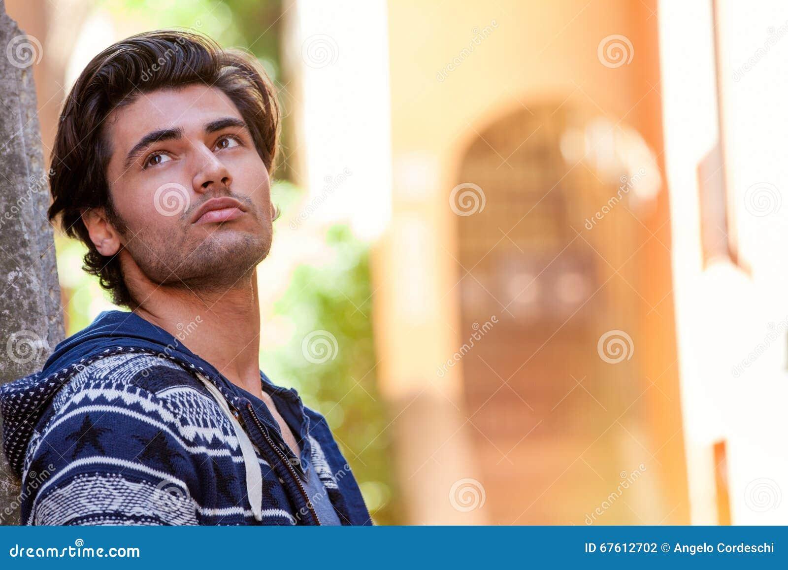 Hoopdroom, die op liefde wachten Het jonge escapistmens denken