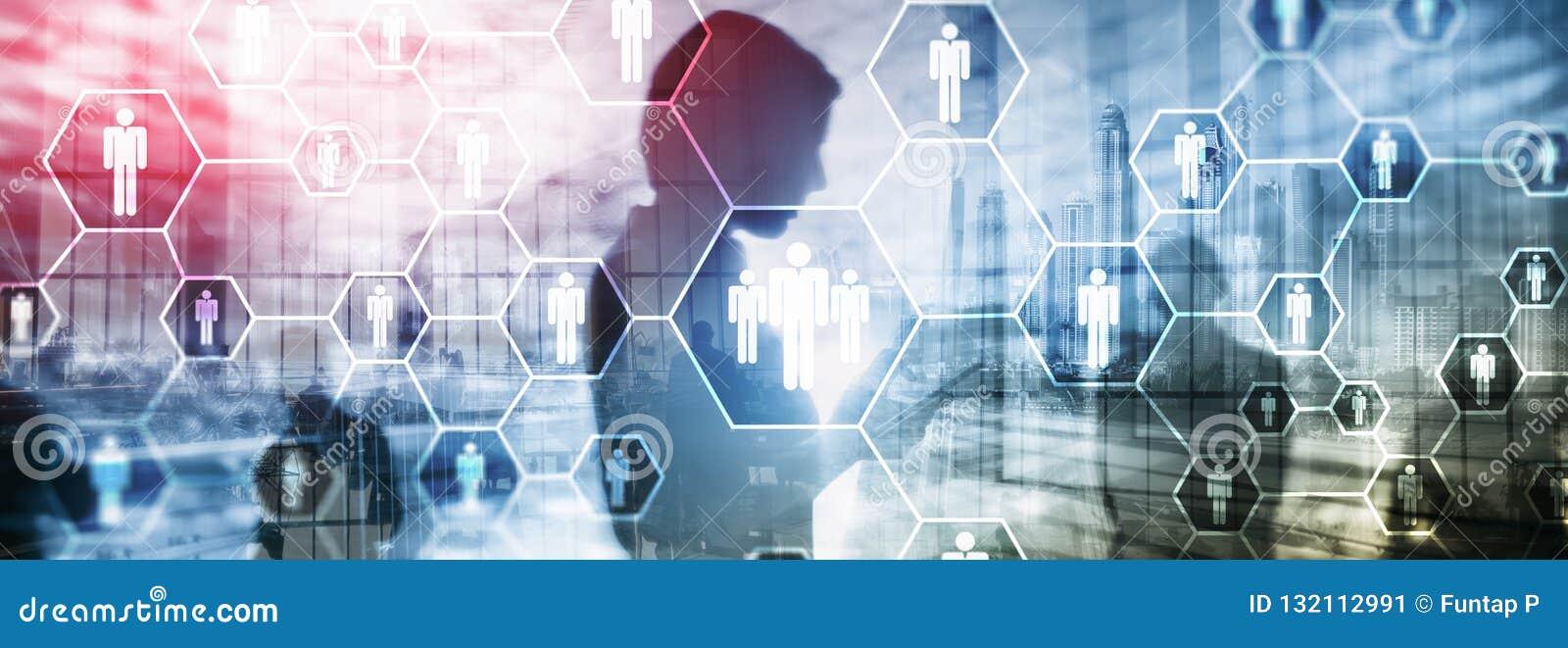 Hora, estructura de los recursos humanos, del reclutamiento, de organización y concepto social de la red