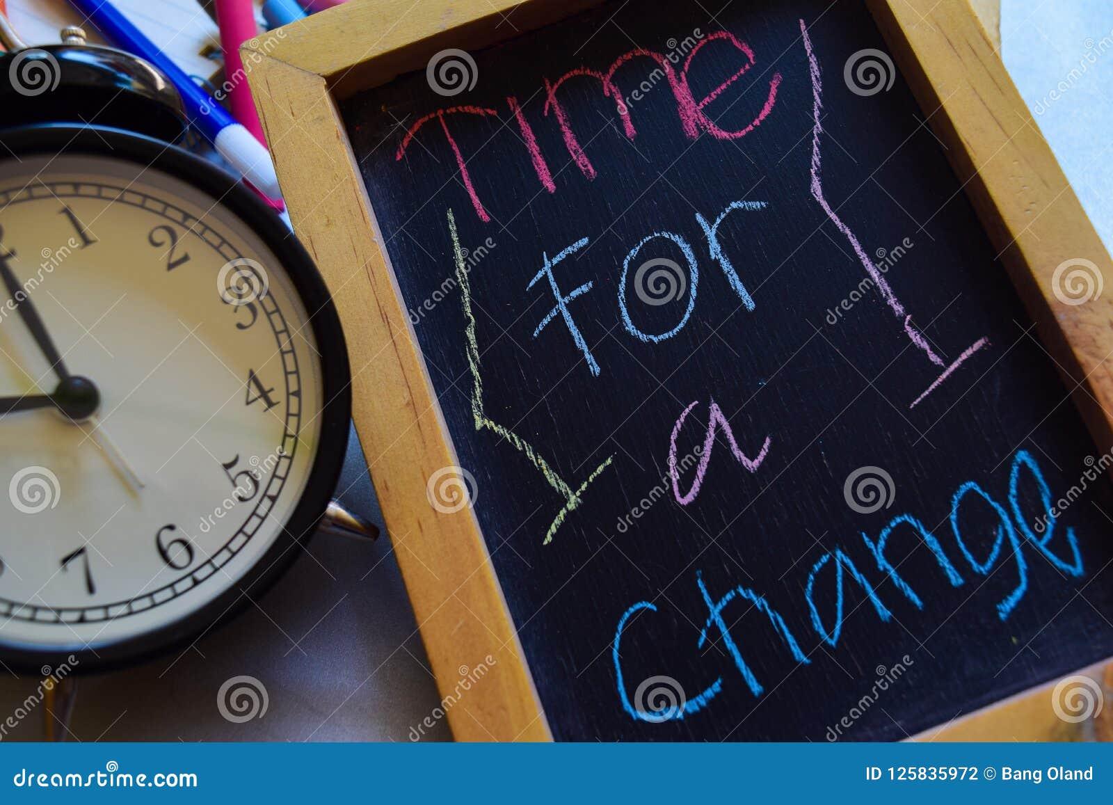 Hora Para A Mudança A Em Escrito à Mão Colorido Da Frase No