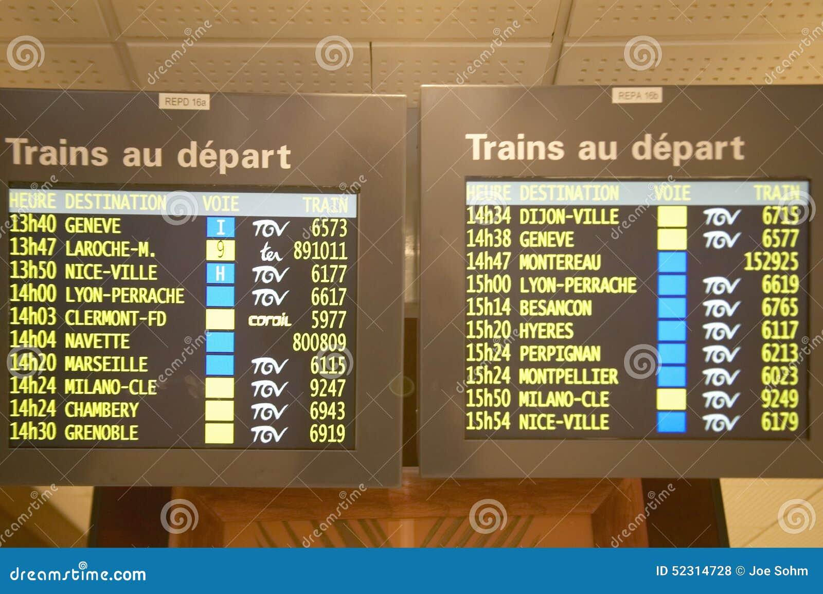 Horario para los trenes que llegan Gare de Lyone Station, París, Francia