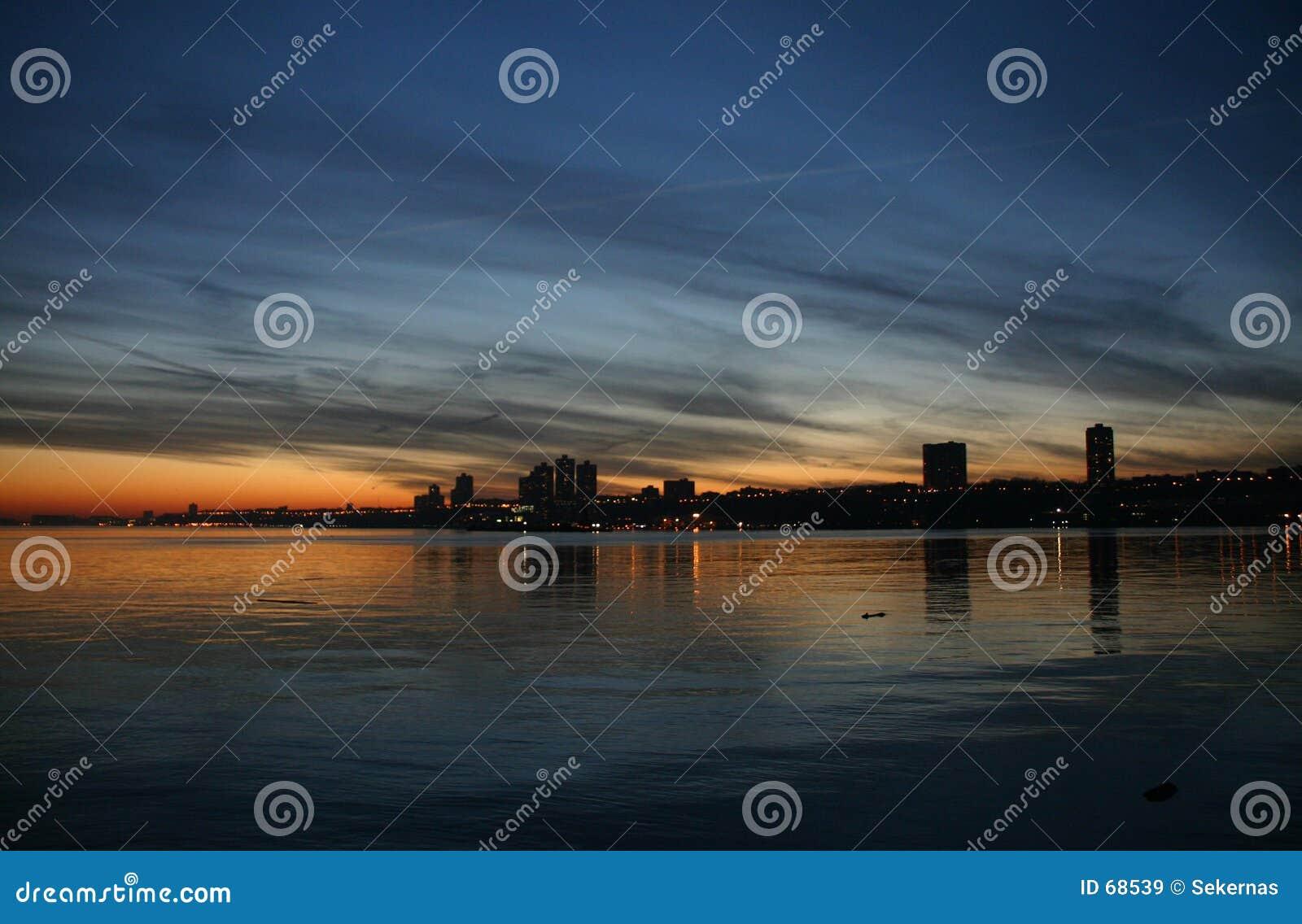 Horizon au coucher du soleil
