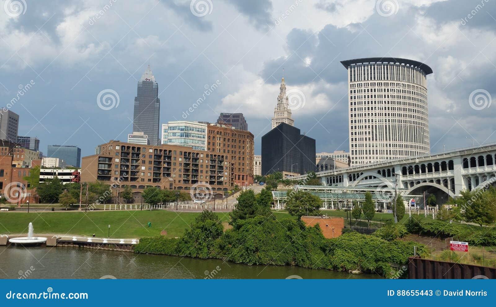 Horizon Cleveland Ohio van de Cuyahoga-Rivier