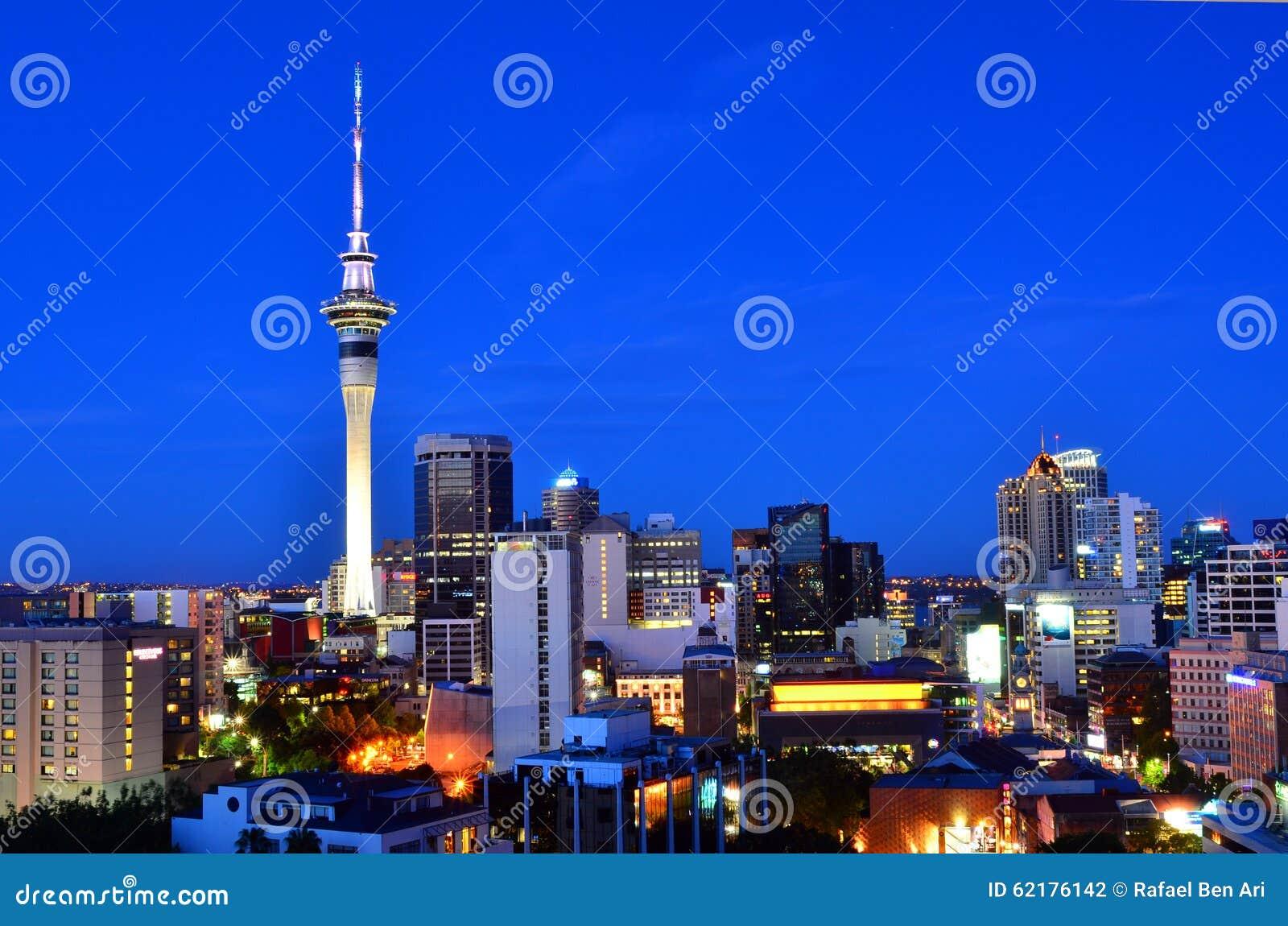 Horizon d Auckland Nouvelle-Zélande à la soirée