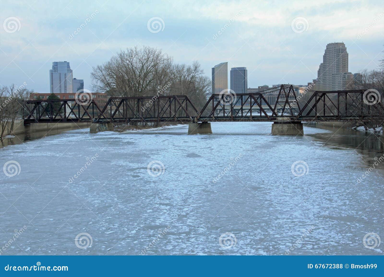 Horizon de Grand Rapids Michigan pendant l hiver