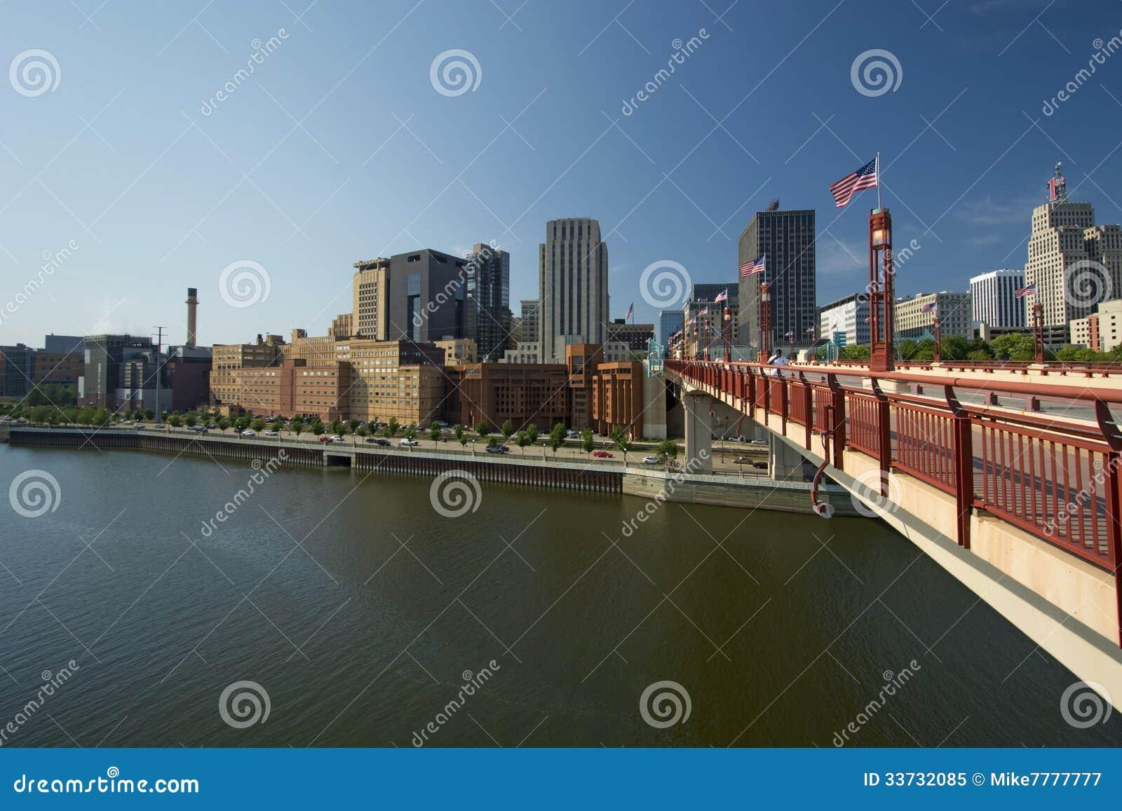 Horizon de Saint Paul, pont de liberté de rue de Wabasha, Saint Paul, Minnesota