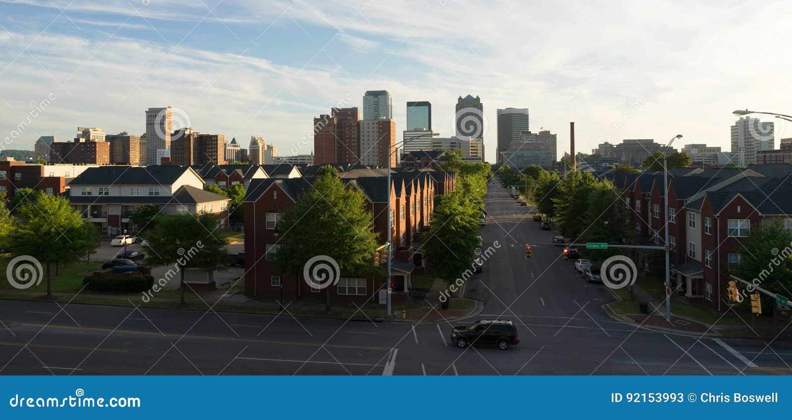 Horizon de Van de binnenstad Birmingham Alabama Carraway Blvd van de zonsondergangstad