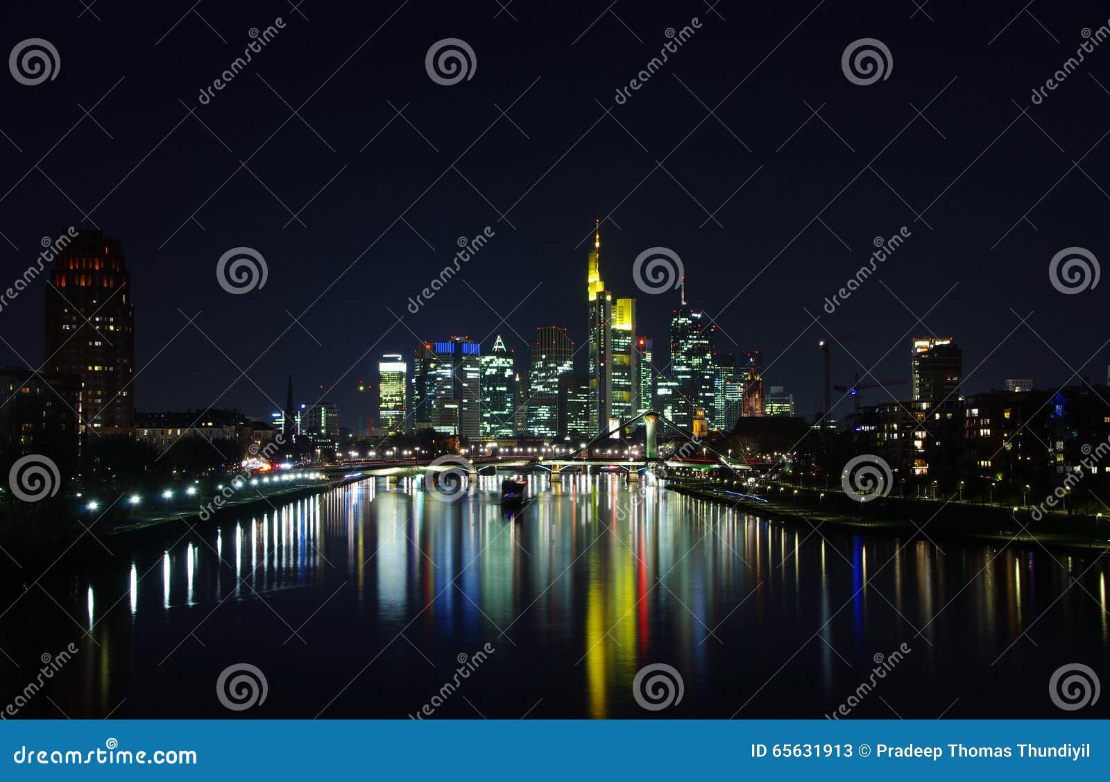 Horizon de ville de Francfort