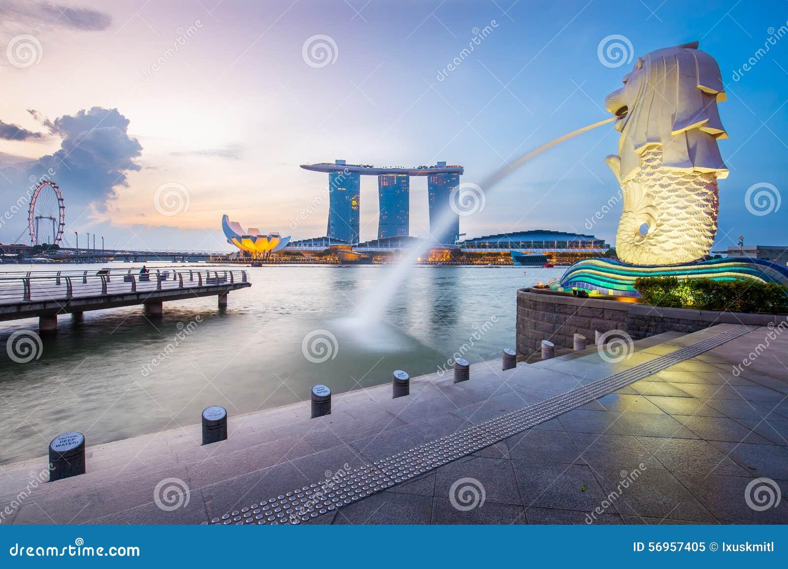 Horizon et Merlion de Singapour pendant le matin