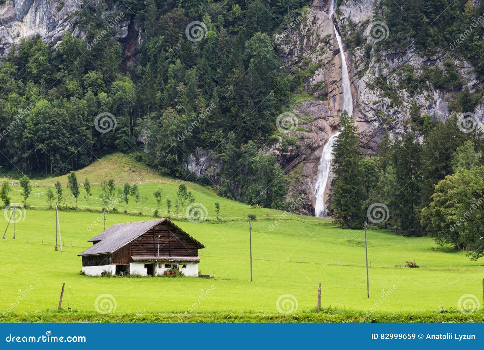 Horizontal alpestre de montagne switzerland
