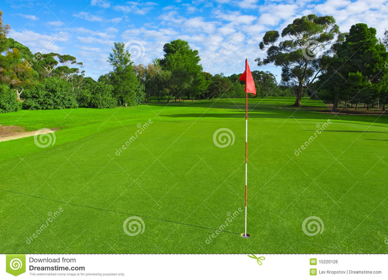 horizontal d 39 une zone verte de golf photo stock image du ressort outdoors 15220126. Black Bedroom Furniture Sets. Home Design Ideas