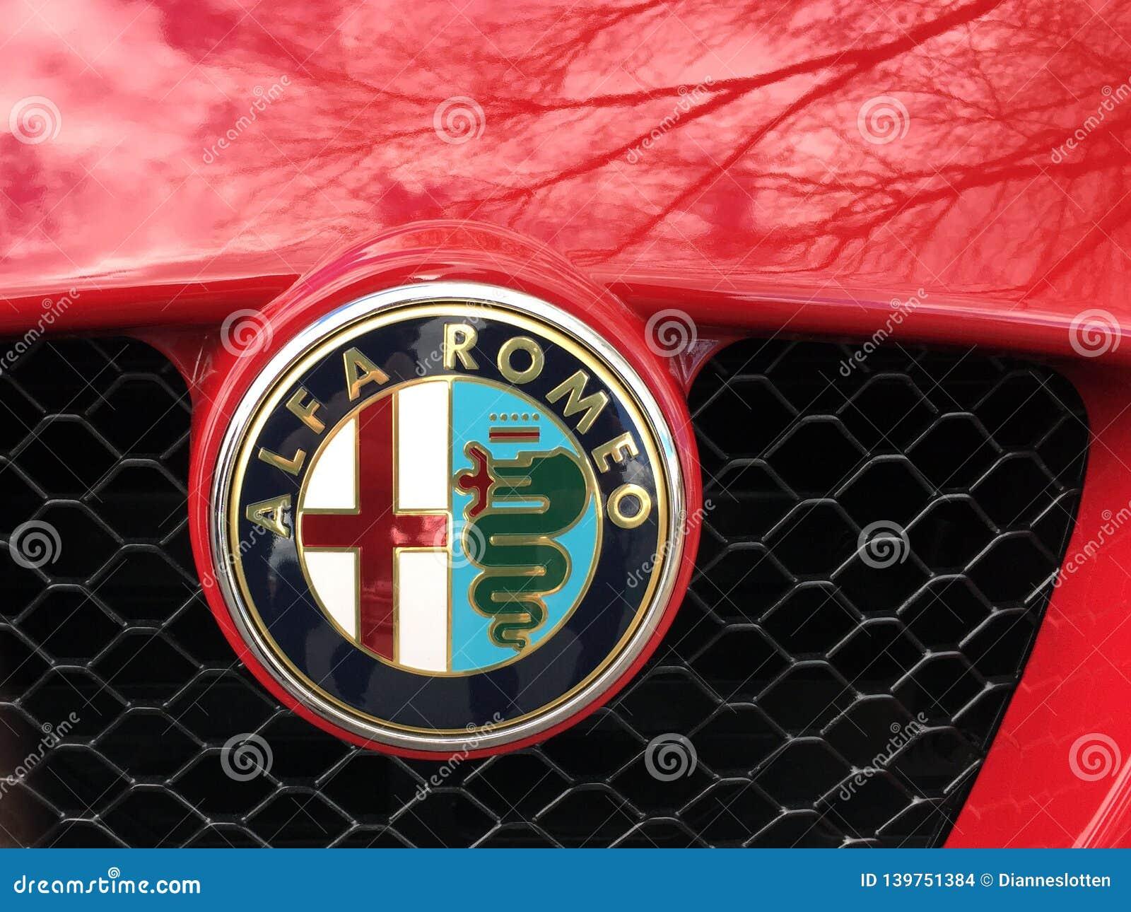 Horizontal Photo Of A Vintage Alfa Romeo Emblem Editorial Stock Image Image Of Accented Detroit 139751384