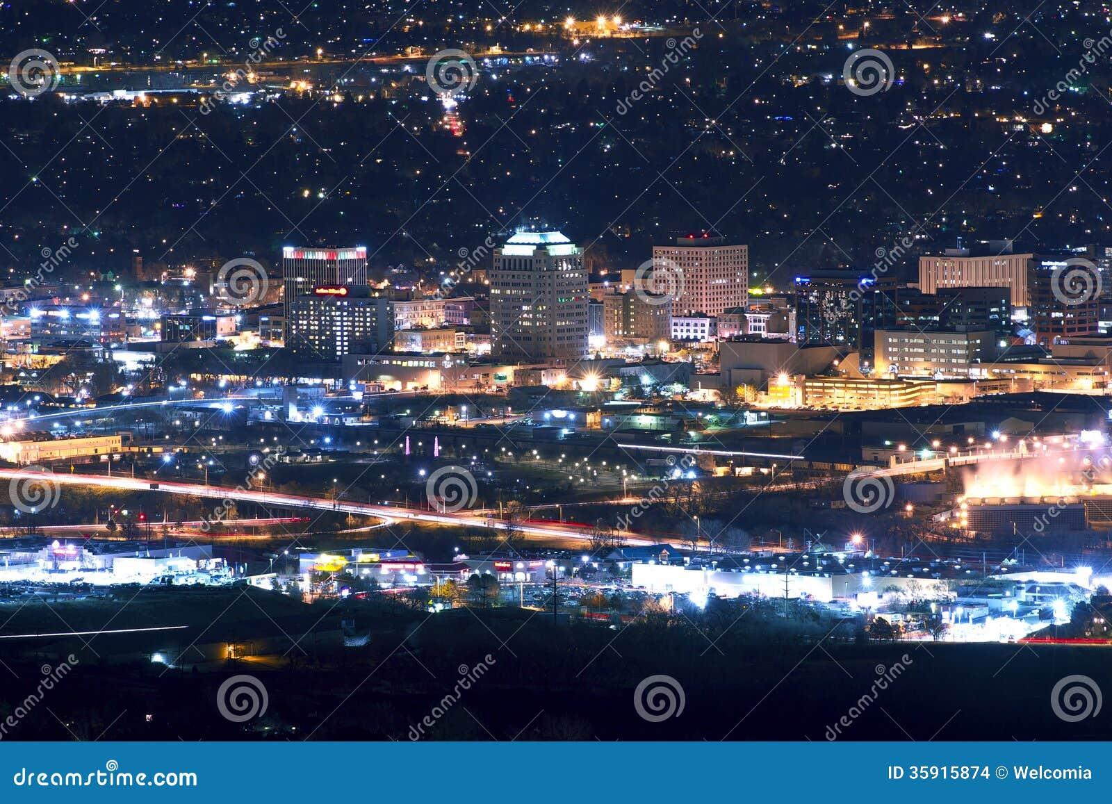 Horizonte De Colorado Springs Foto de archivo - Imagen de área ...