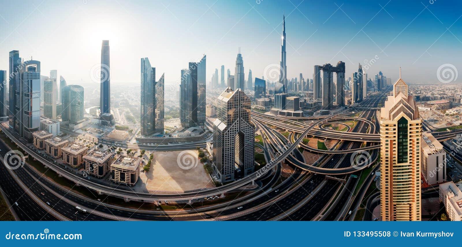 Horizonte de Dubai, centro de ciudad céntrico