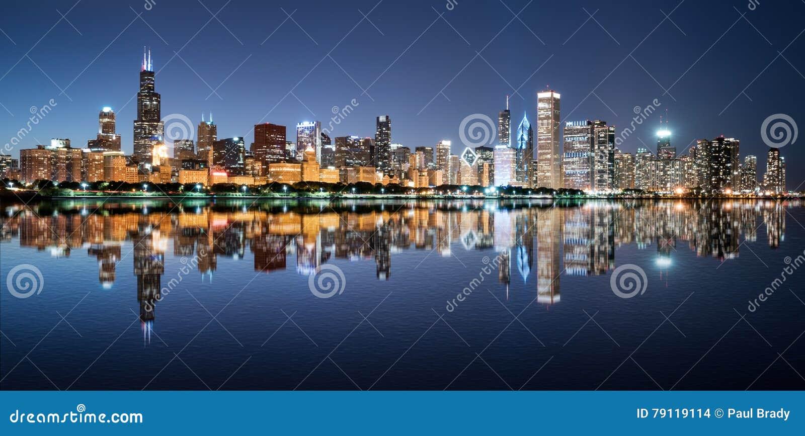 Horizonte de la noche de Chicago