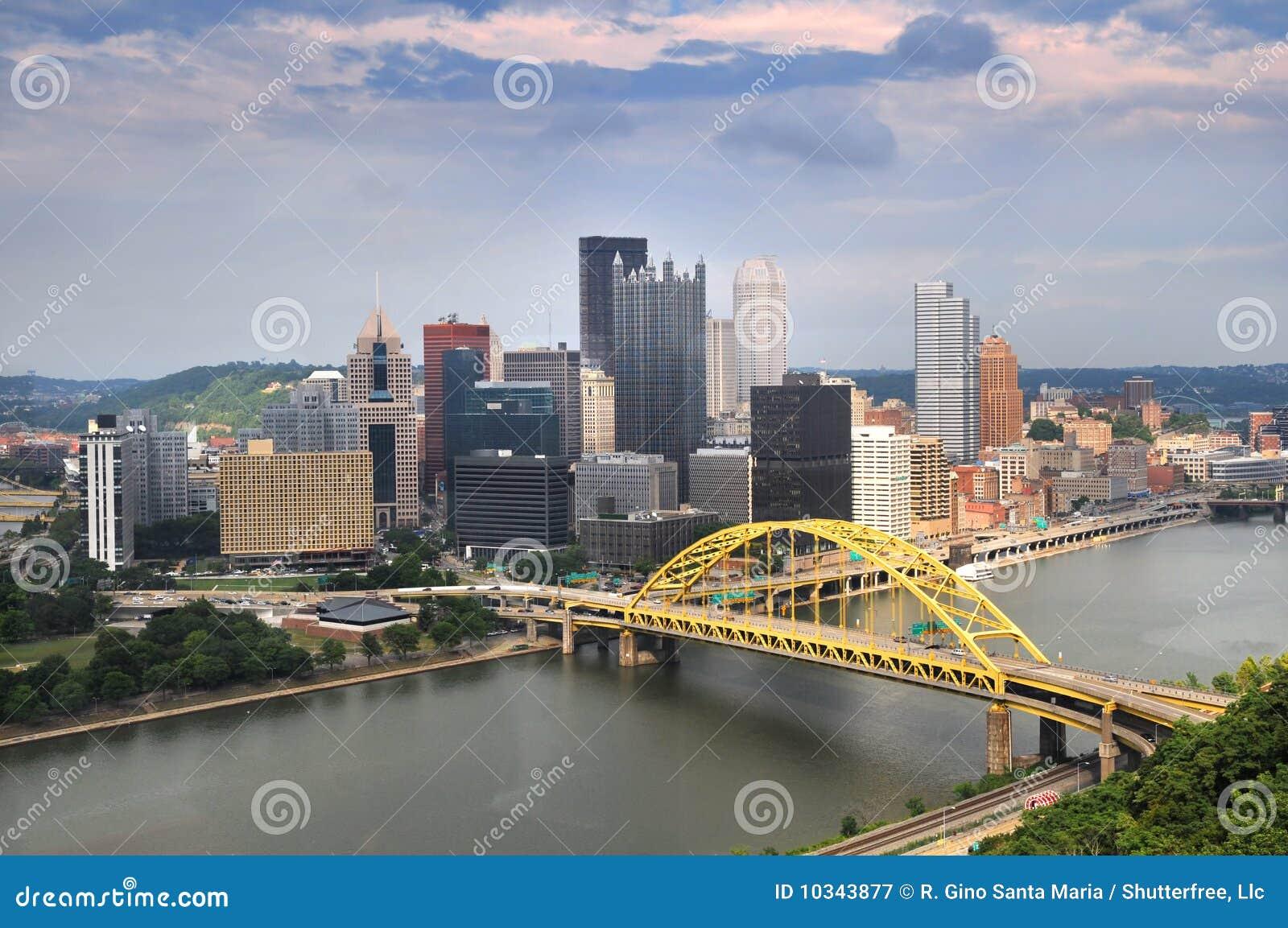 Horizonte de Pittsburgh durante d3ia