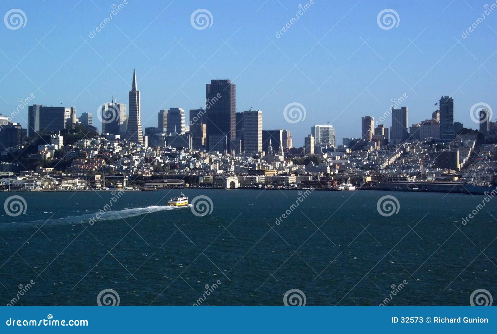 Download Horizonte De San Francisco Bay Imagen de archivo - Imagen de turismo, recorrido: 32573