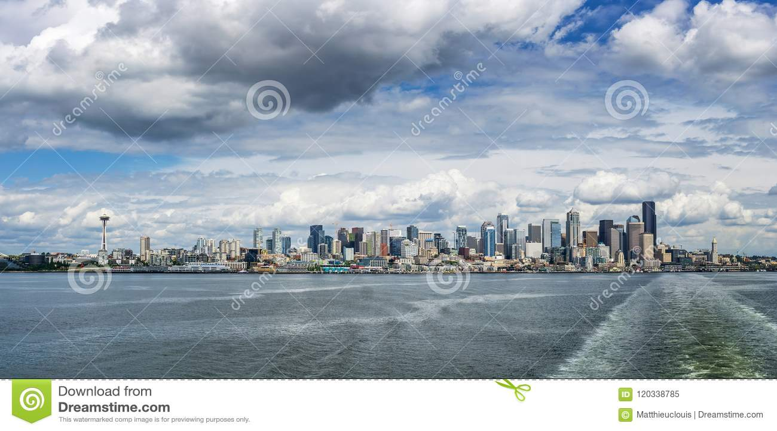 Horizonte de Seattle, WA, los E.E.U.U.