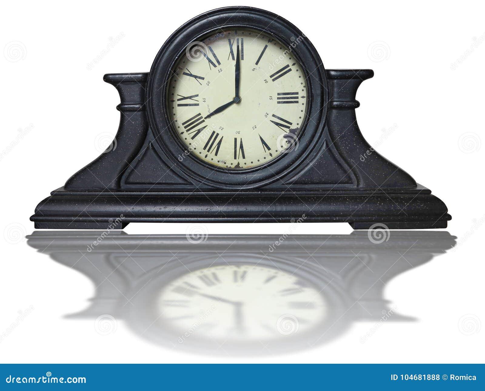 horloge brune en bois antique de vintage de table avec les chiffres romains photo stock image. Black Bedroom Furniture Sets. Home Design Ideas