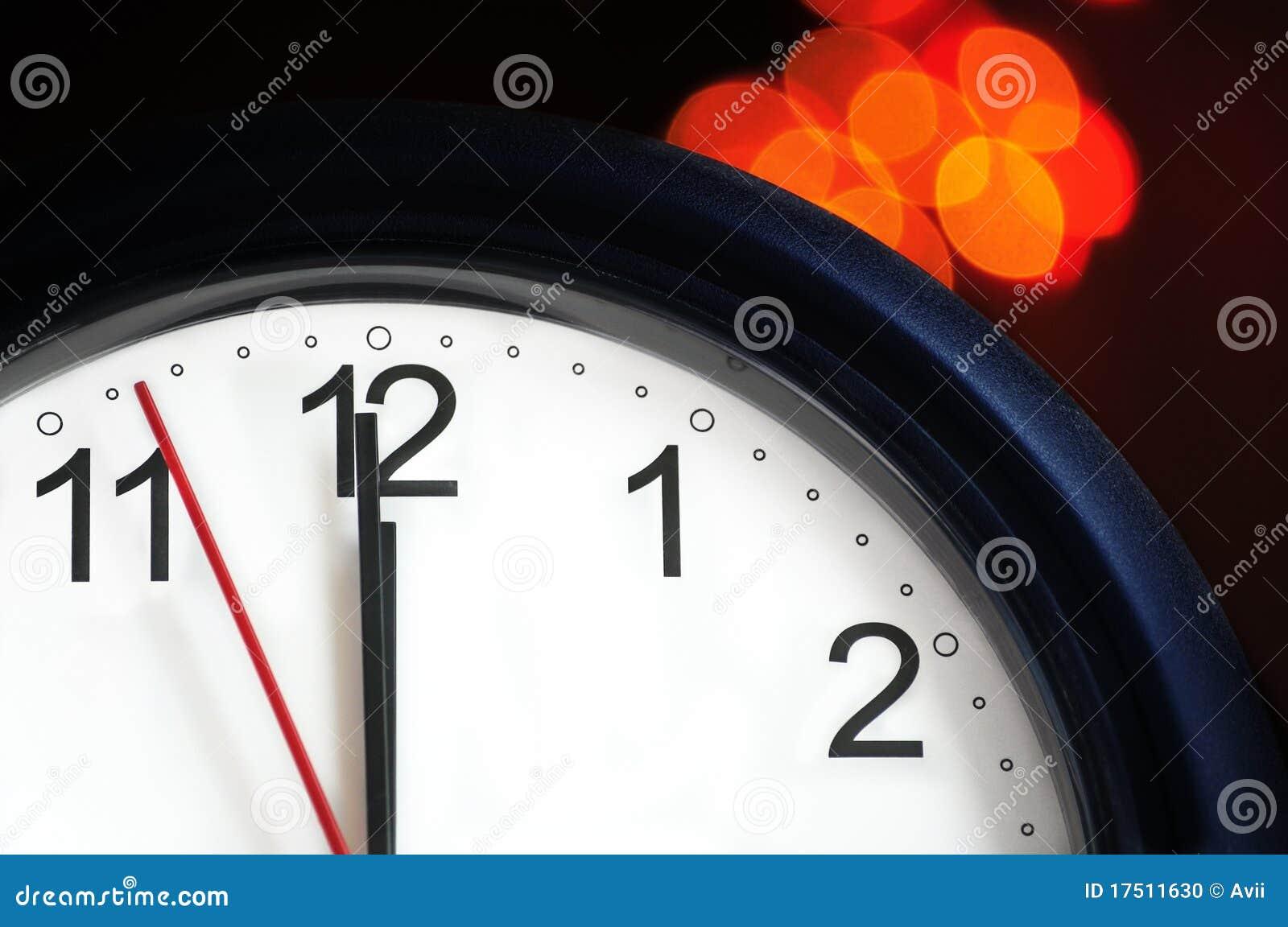 Horloge de bureau environ pour afficher le minuit photo stock
