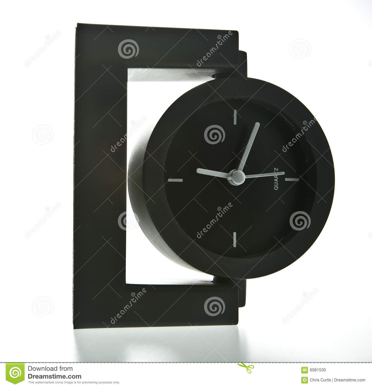 horloge moderne de bureau de type photo stock image 6081530. Black Bedroom Furniture Sets. Home Design Ideas