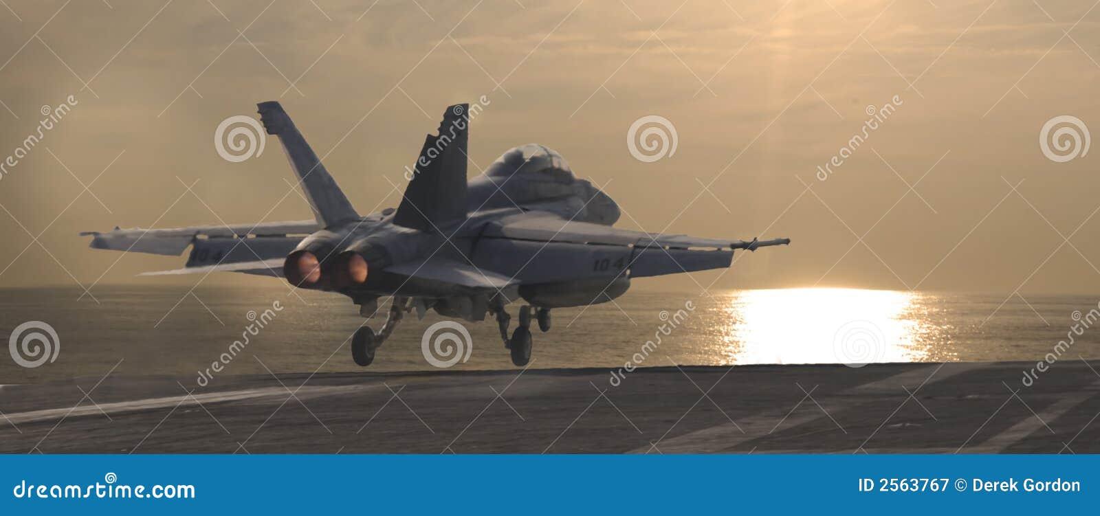 Hornet ηλιοβασίλεμα