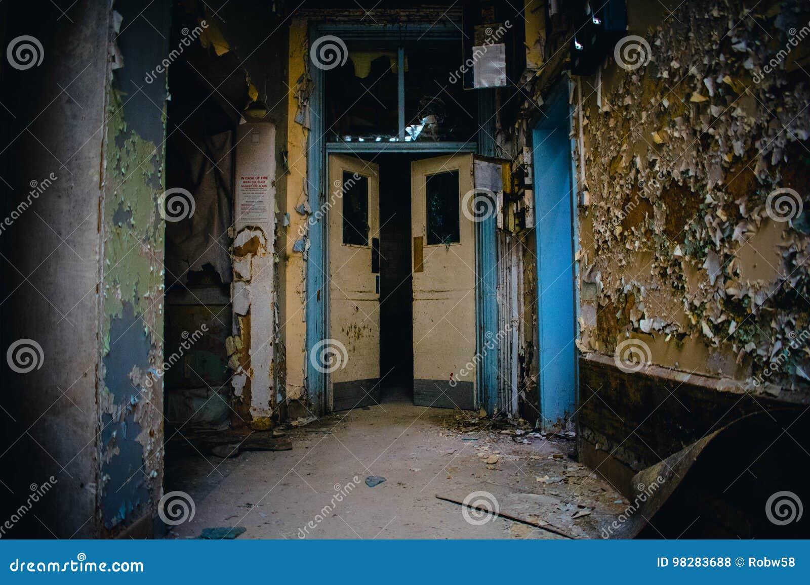 Hospital abandonado desatendido