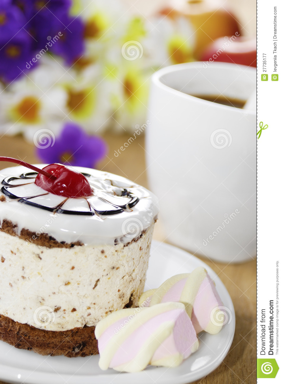 Hot Coffee And Tasty Cake Royalty Free Stock Photography