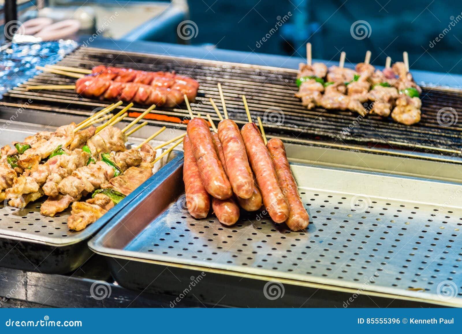 Hot dog e kebab sulla griglia