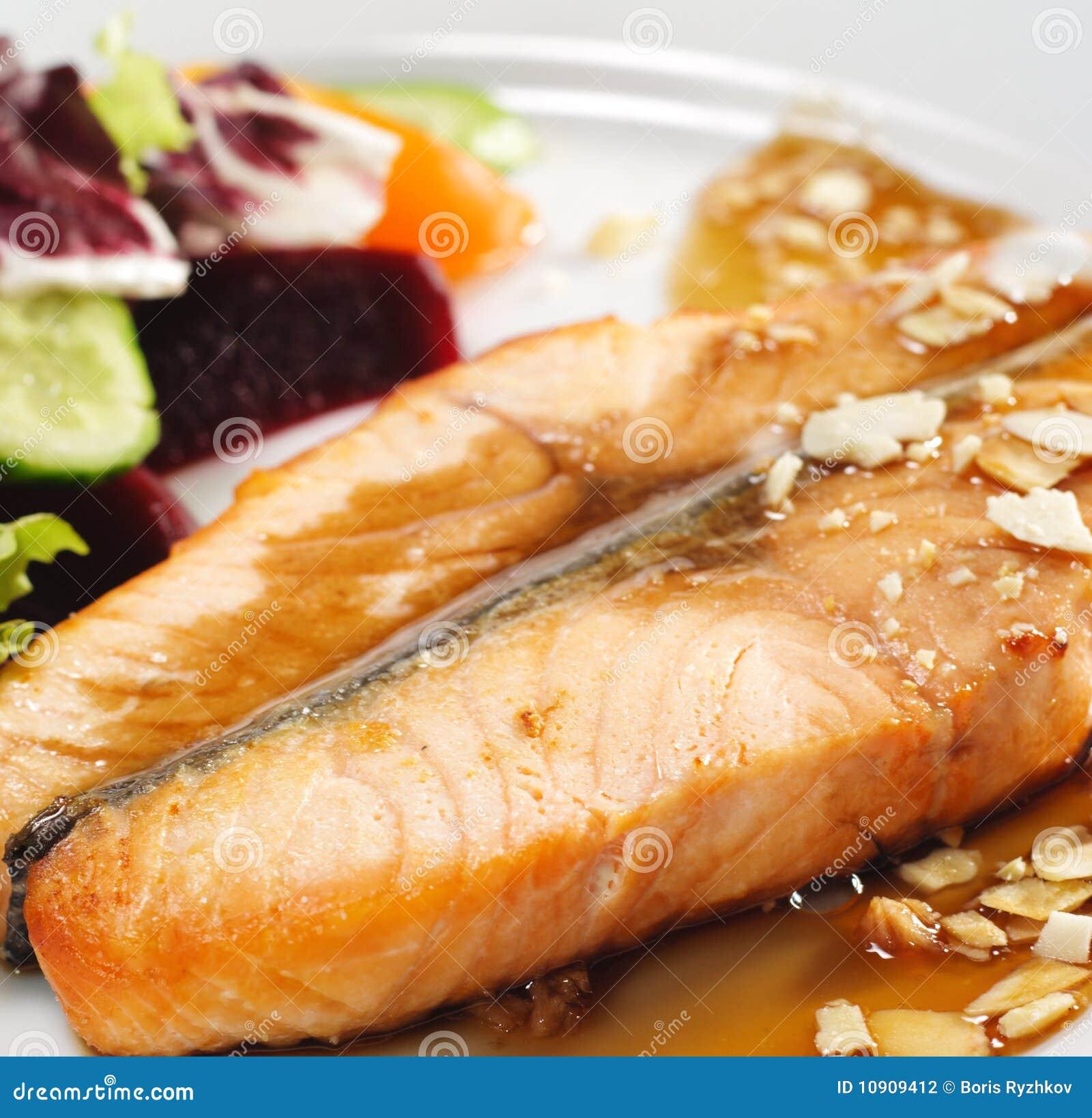 Hot Fish Dishes - Salmon Steak with Narsharab Sauce and Fresh Salad ...