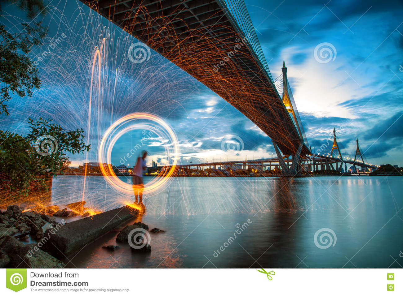 Hot Un Stock >> Hot Golden Sparks Flying From Man Spinning Burning Steel Wool Un