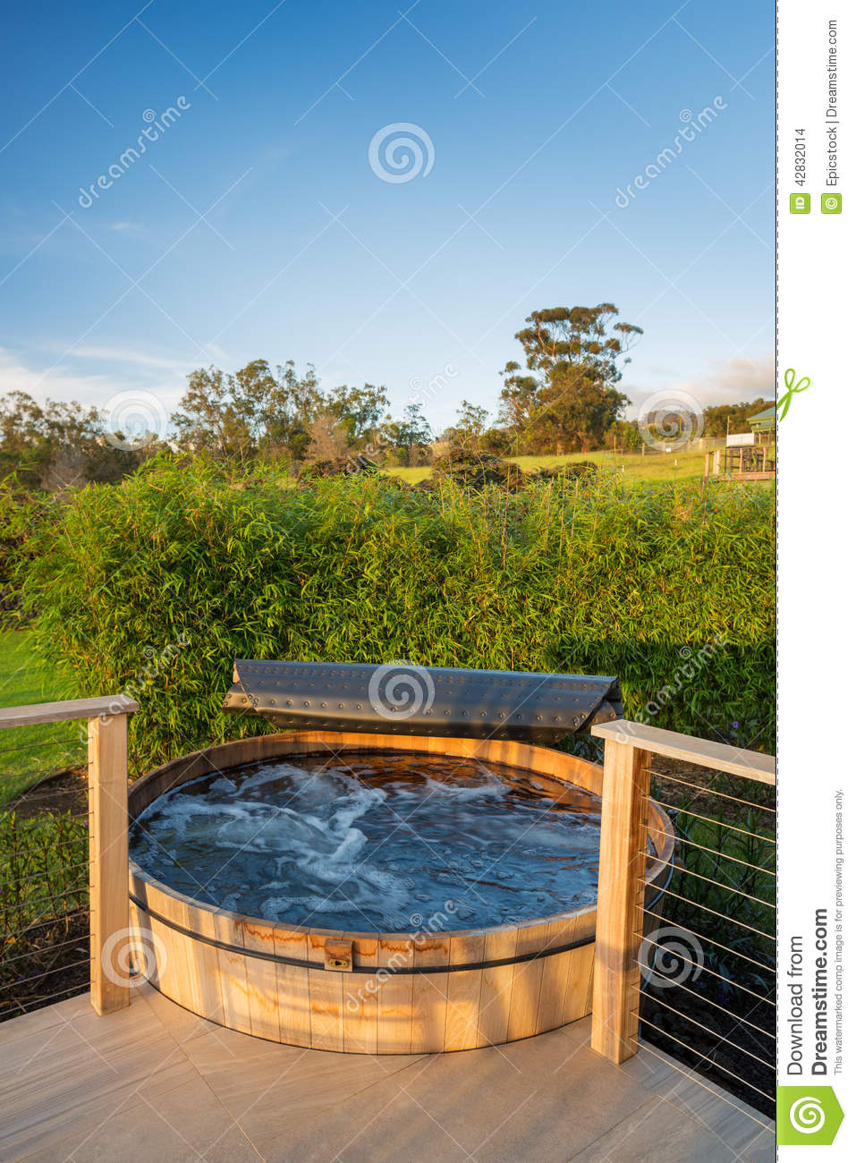 Hot Tub Jacuzzi Outside Of A Modern House Stock Photo