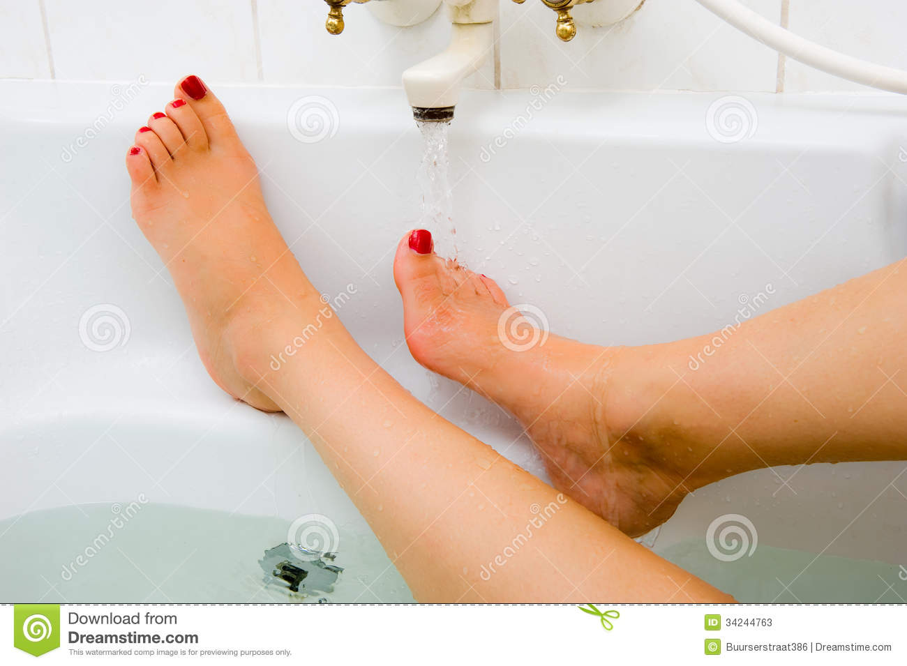 Hot water of bath faucet stock photos image 34244763 - Bathtub that keeps water warm ...