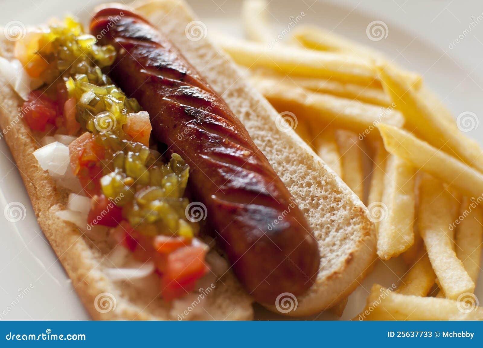 Hotdog und Pommes-Frites