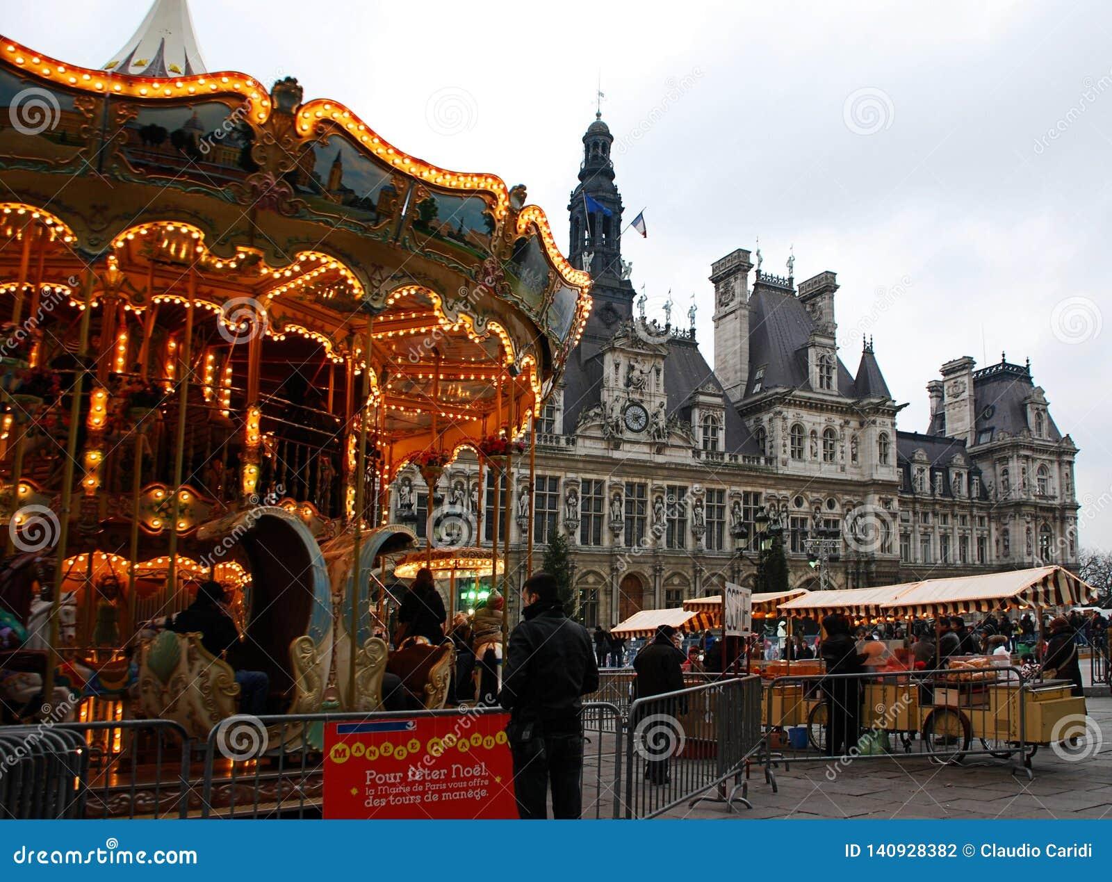 Hotel与一个转盘的de韦莱在christmastime,巴黎,法国