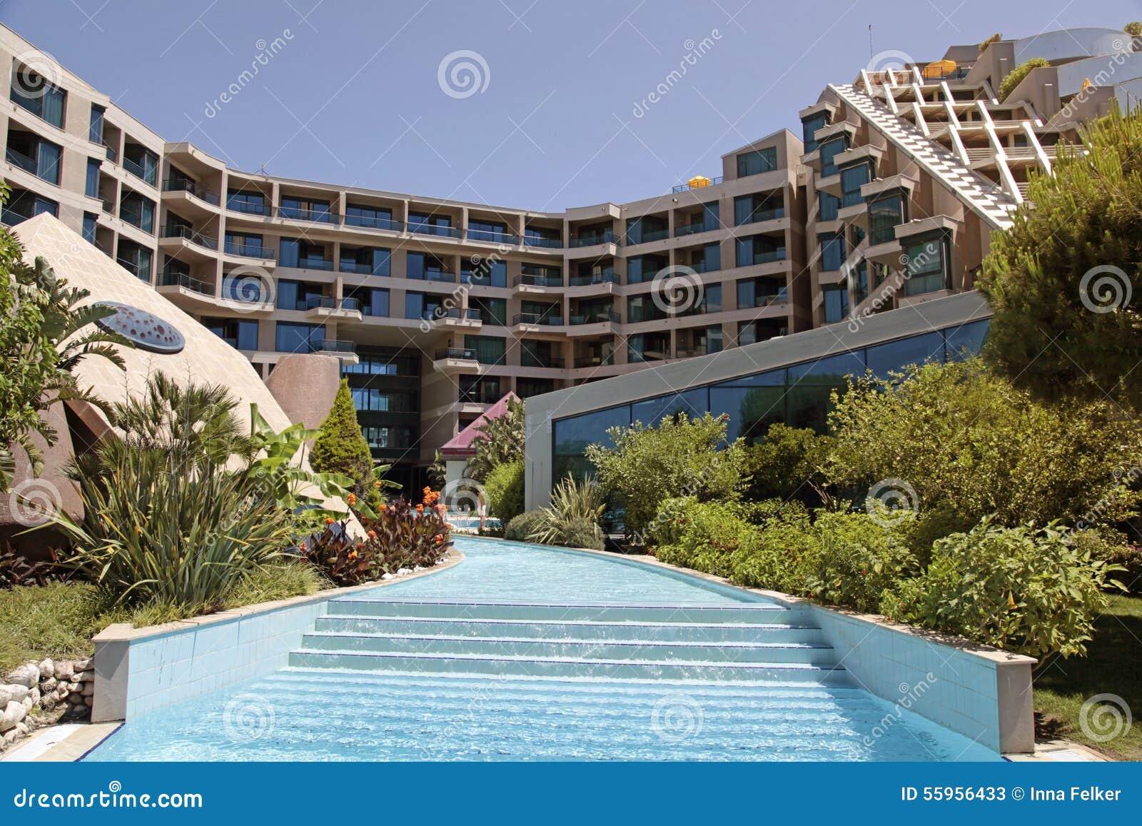 Hotel Di Località Di Soggiorno Di Lusso Con La Piscina In ...