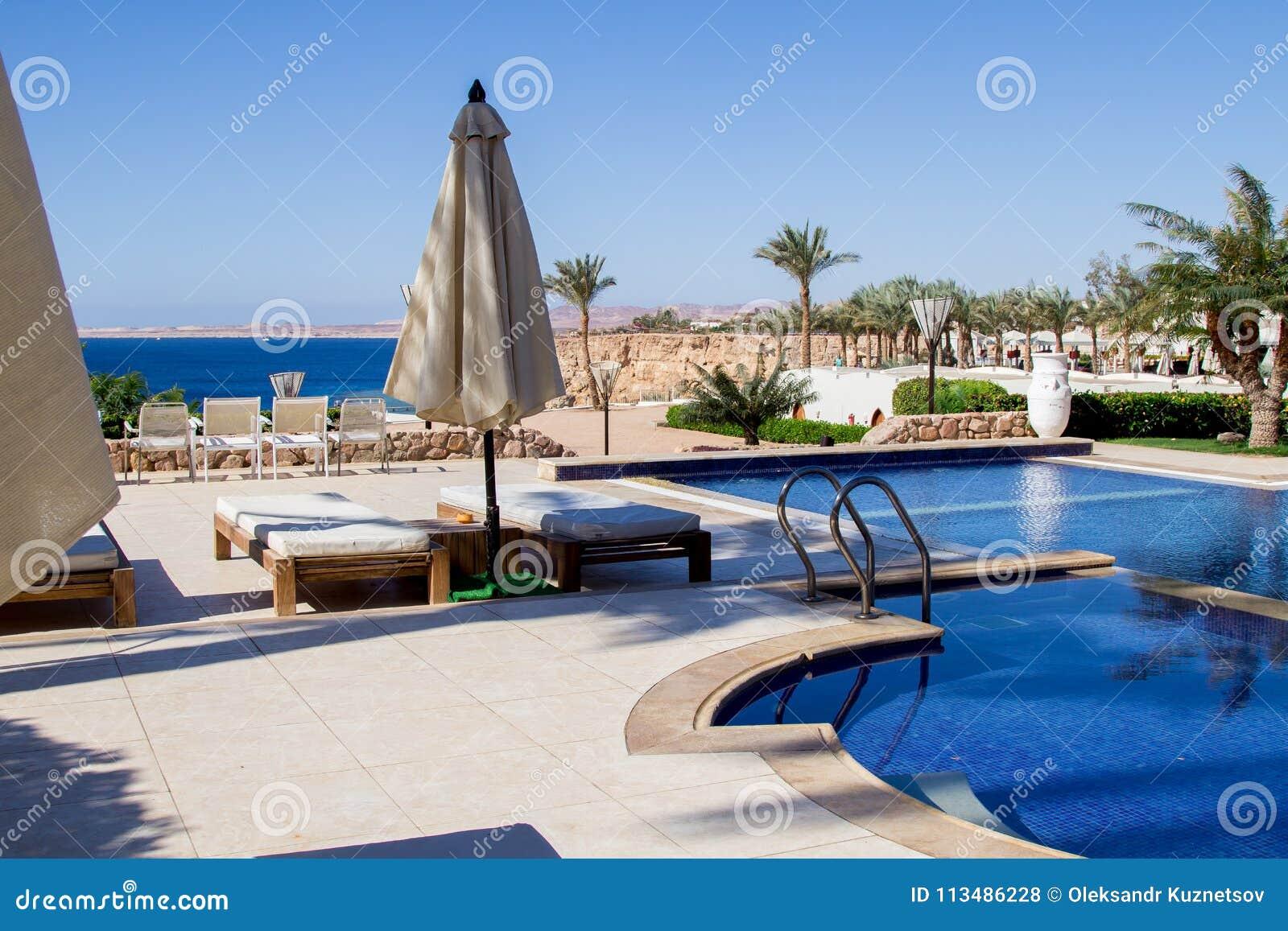 Hotel Di Località Di Soggiorno Di Sharm El Sheikh Con Acqua Blu ...