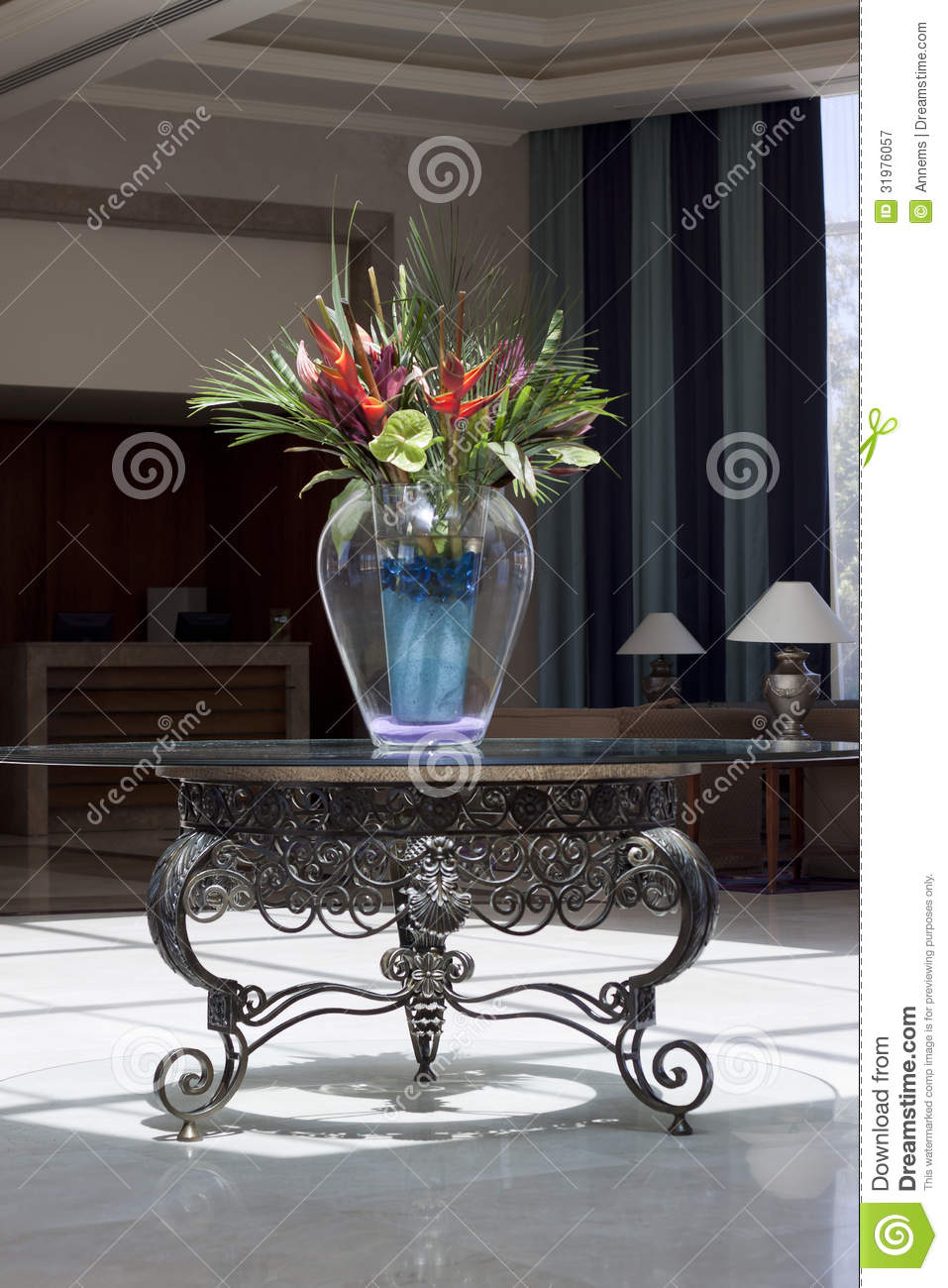Hotel lobby royalty free stock photography image 31976057 for Bouquet hotel