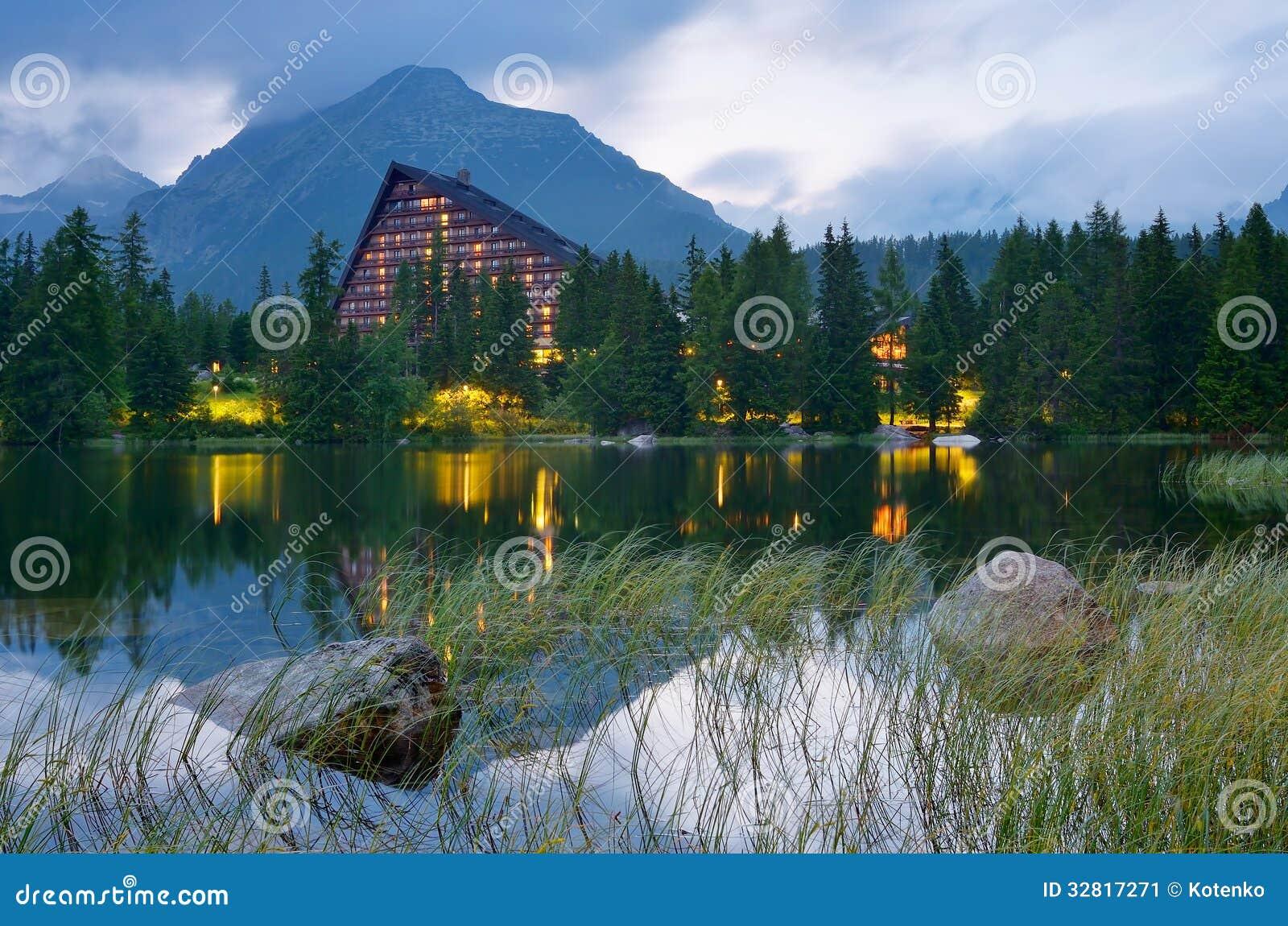 Hotel near the lake