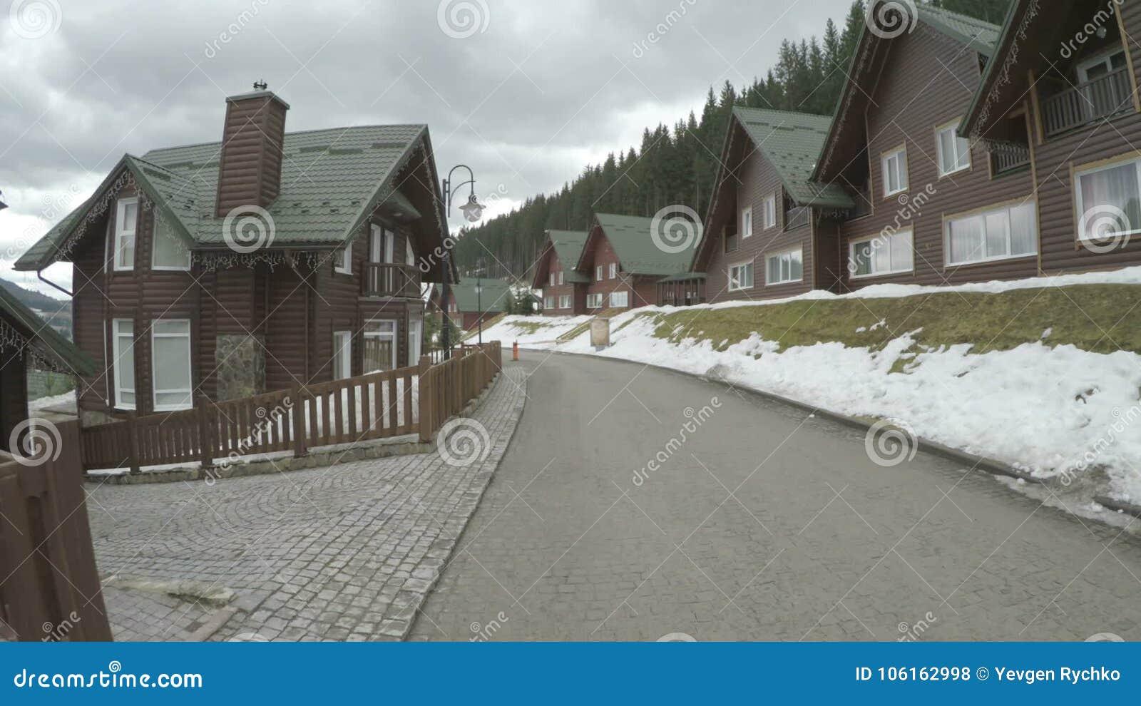 Hotel Nella Località Di Soggiorno Di Montagna Ucraina Di Bukovel ...