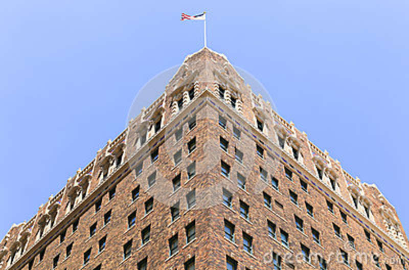 Kansas City, USA   May 21, 2016: Looking Up The Historic Hotel President In  The Power And Light District.