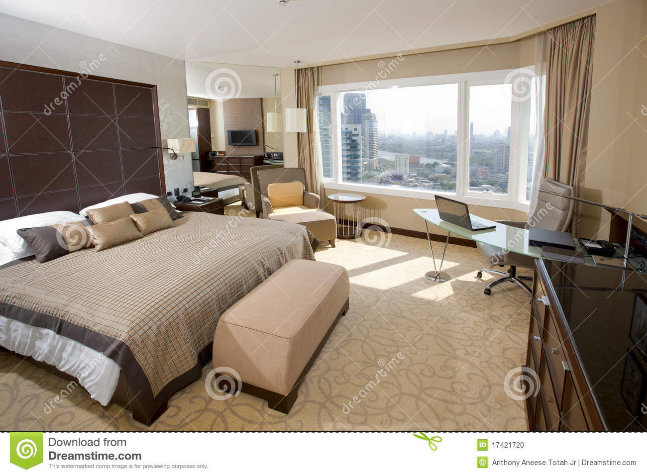Idee Salle De Bain En Pierre : Design of an interior of a modern upscale hotel room with office work