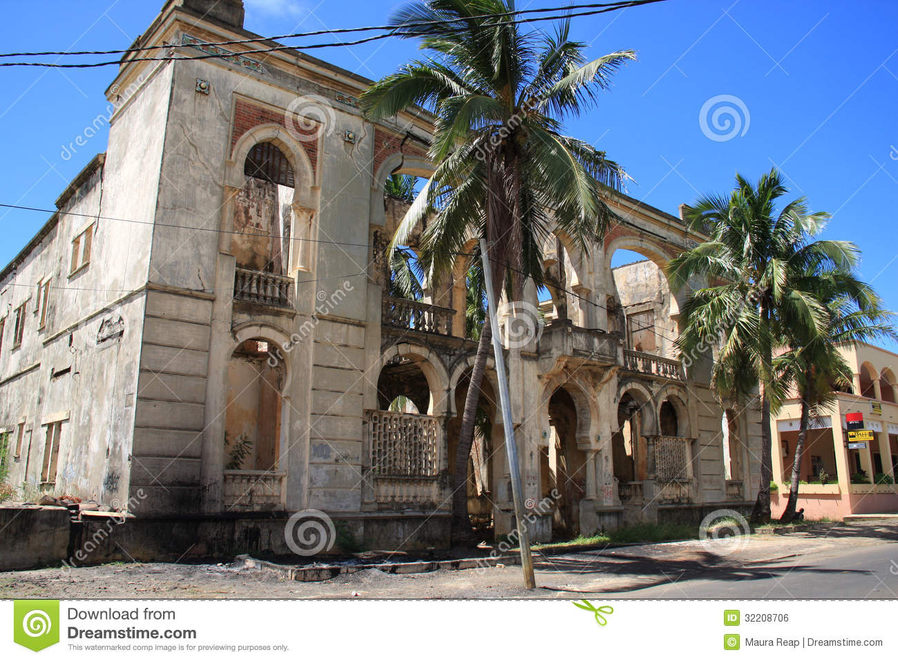 Hotel ruins royalty free stock image image 32208706 for Period hotel