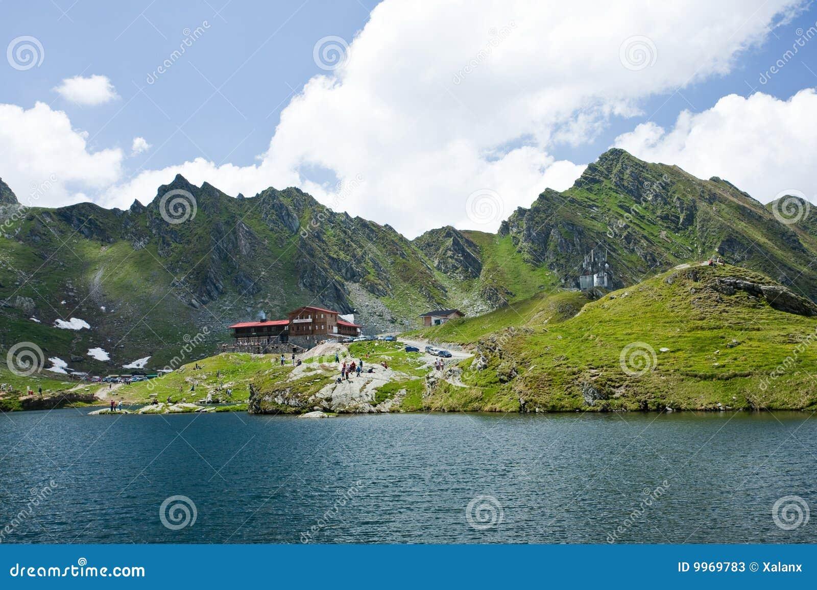 Hotel Und Gaststatte Nahe Balea See In Rumanien Stockbild Bild Von Himmel Sonnig 9969783