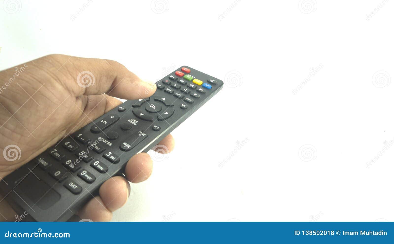 Houd zwarte TV ver met de hand