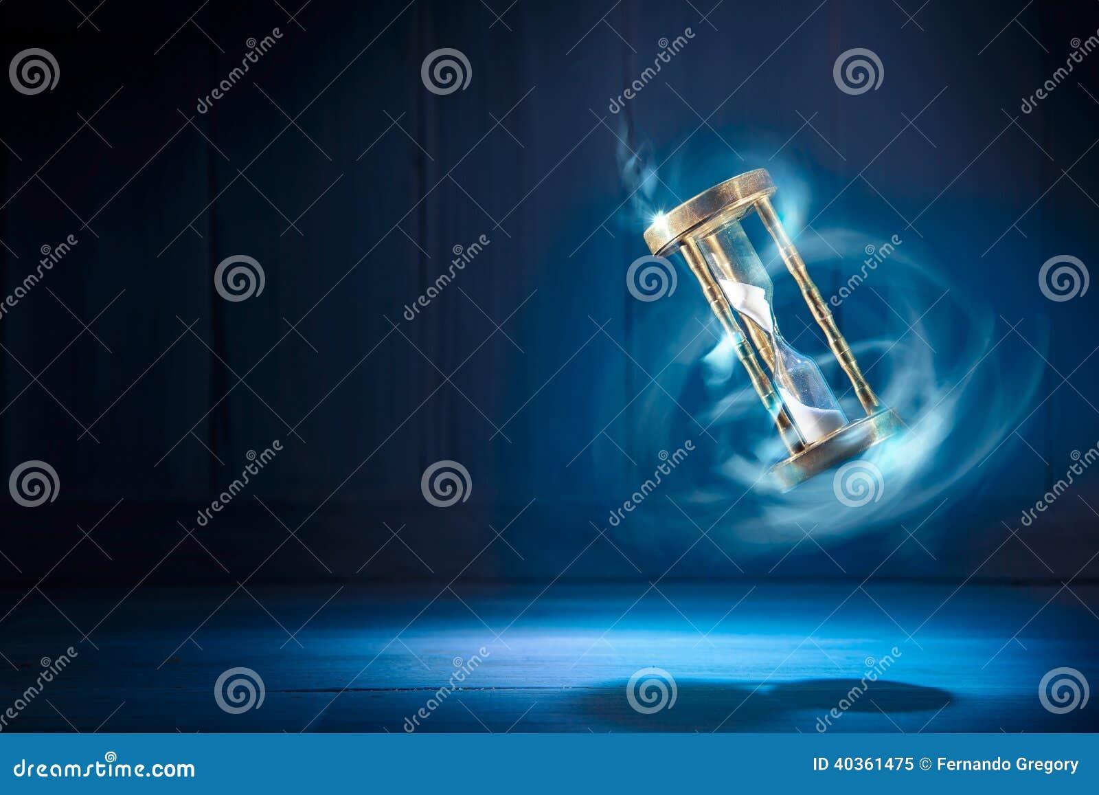 Hourglass, czasu pojęcie z wysokiego kontrasta wizerunkiem