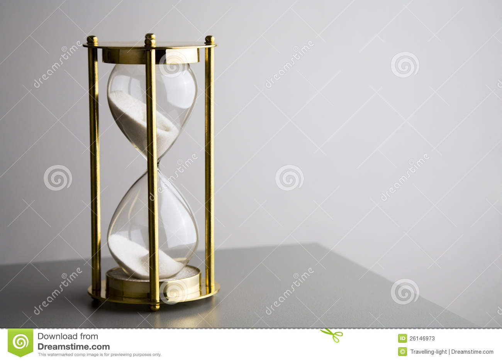 Hourglass no cinza