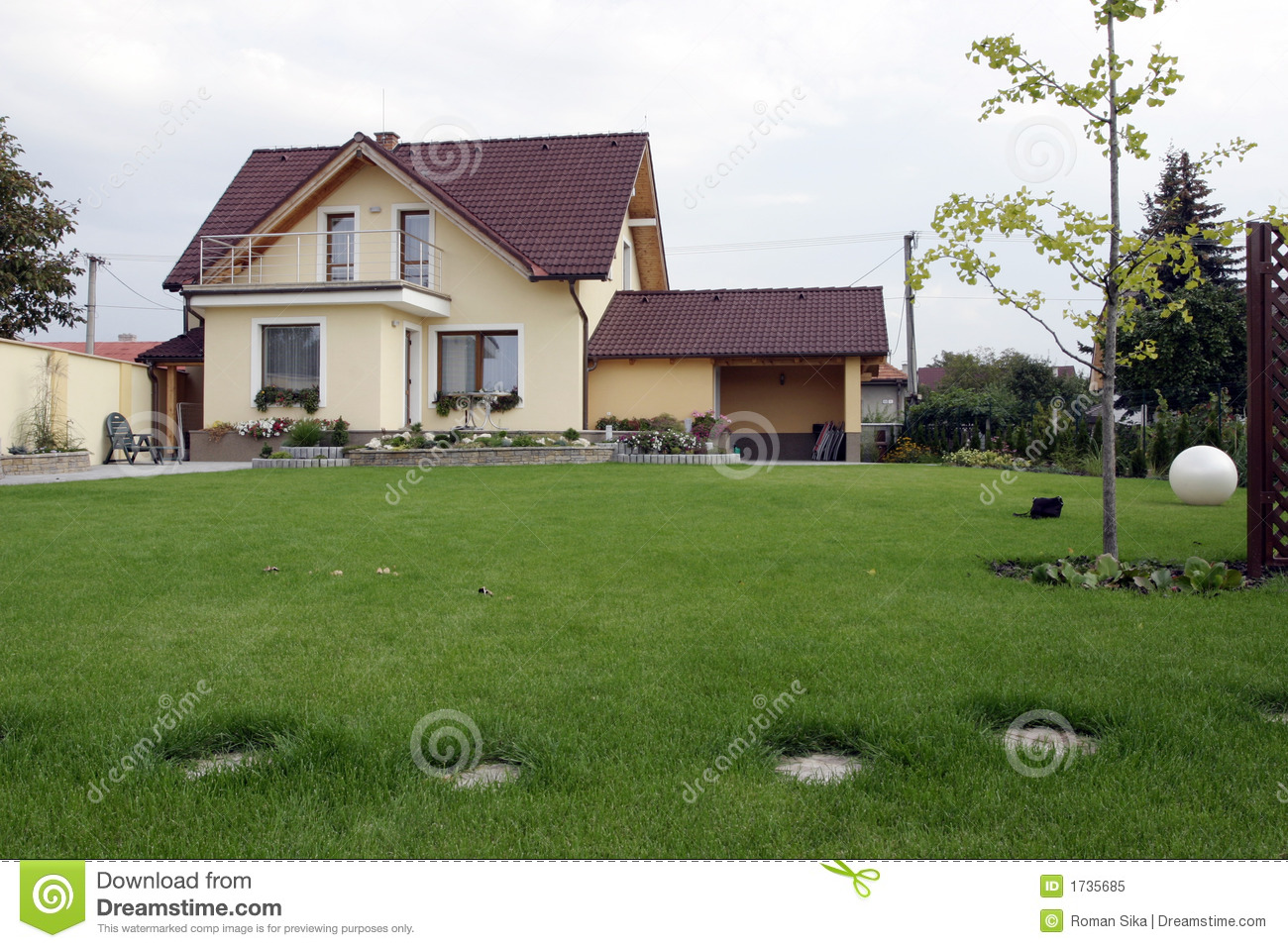 hous and garden royalty free stock photo image 1735685